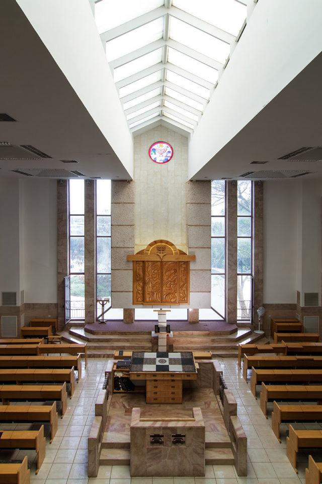 Synagogue Furniture ריהוט לבתי כנסת